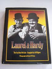 BOOK IN ENGLISH , LAUREL ET HARDY TRES BIEN ILLUSTRE . BON ETAT . 400 PAGES .