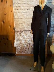 Pre-Owned Tahari Arthur S Levine Black Pant Suit Size 6P Very nice condition