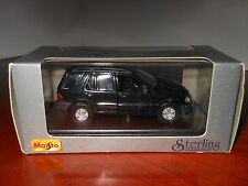 MAISTO STERLING COLLECTION MERCEDES -1:43 BENZ ML 320 - FOREST GREEN - V / DARK