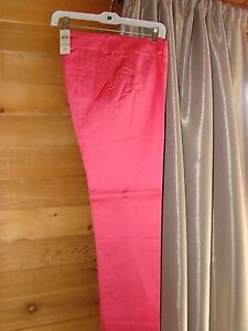 Beautiful pink satin slim ankle pants Ann Taylor size 4