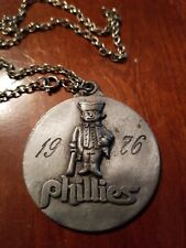 PHILADELPHIA PHILLIES MLB 1976 MEDALLION CHAIN & AUTOGRPAHS. FREE SHIPPING