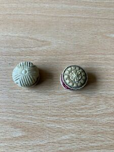 Antique/Victorian Carved Disc Shaped Thread Waxer/Pin Cushion