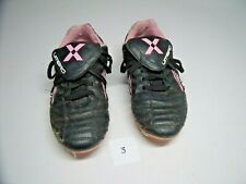 Umbro soccer shoes. Youth size 2.5  Diamond emblem in Pink on Black cleats