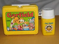 VINTAGE 1978 PLASTIC LUNCH BOX GARFIELD with THERMOS