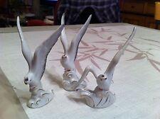 Ensemble de trois oiseaux anciens blancs et dorés porcelaine - Fin XIXe Deb XXe