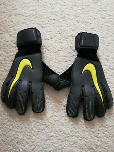 Nike vaporgrip 3 Goal Keeper Gloves / Nike Goalie Gloves Size 6