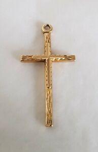 9ct Yellow gold Cross / Crucifix pendant. Textured finish. Birmingham 1971 .