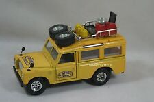 Camel Trophy Land rover defender model car scale 1:24 from '80's made by burago