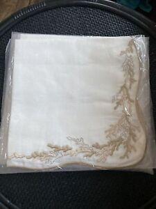 Kim Seybert Reef Napkin in White, Beige & Gold, Set of 4