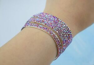 Super pretty rhinestone stretchy bracelet, one size fits all