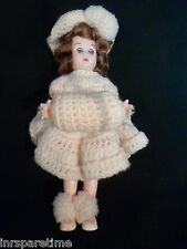 """Vintage 7"""" Blinking Brunette Doll w/Crocheted Outfit"""