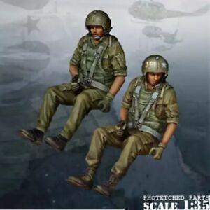 1/35 Resin Figure Model Kit Vietnam War US Soldiers Pilots Unpainted Unassambled