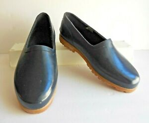DONNER MOUNTAIN Dark Blue Waterproof Slip-On Garden Rain Shoes Clogs 8B (Medium)