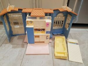 Vintage Mattel Barbie 1998 Fold Out Family Cottage Blue House (No Sound)