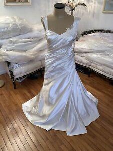 #297 Robin Jillian Alabaster Wedding Gown NWT SZ 12 Ruched.