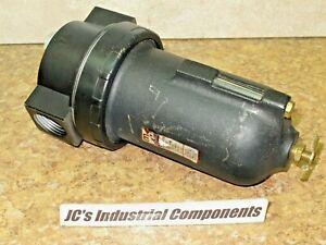 "Master  Pneumatic  BL100-8    lubricator    1""  npt   200 psi"