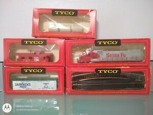 LOT OF VINTAGE TYCO HO SCALE TRAINS AND BRASS TRACK,ALCO CENTURY 430,ORIG BOXES