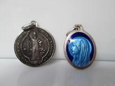 Lote dos medallas. Plata. 1º Siglo XX. Esmalte bicolor. Jesús. Vírgenes. España