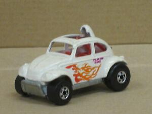"VW Käfer Buggy in weiß + Dekor ""Blazin' Bug"", ohne OVP, Hot Wheels, ca. 1:64"