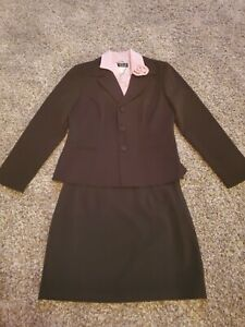 Junior Suit Size 9/10. 3pc Jacket, Skirt, & Collar.
