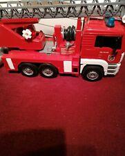 Großes Feuerwehr  Auto ?
