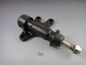 IDLER ARM BRACKET CHEVROLET K2500 SUBURBAN 93-99