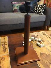 GRAND PIED DE LAMPE VINTAGE , GAINÉ CUIR , LAMPE BUREAU LAMP