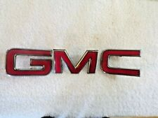 """Front Grille Emblem Badge """"GMC"""" in Chrome & Red Colorado Jimmy Canyon OEM"""