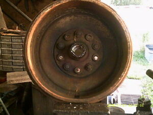 1952 Kaiser Virginian rear brake drum / hub