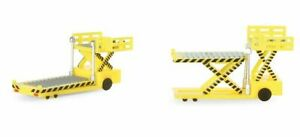 Herpa Wings 520621 Container Loader 2 Piece Set 1/500 Scale Airport Accessory