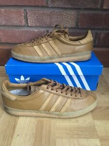 Adidas Originals Topanga size 10 Tan