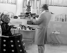 Peter Davison UNSIGNED photo - 1888 - Doctor Who