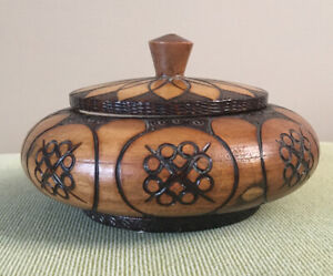 Round Carved Wooden Trinket Box With Lid