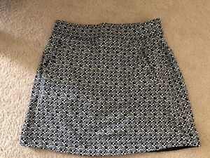 Talbots T By Talbots Black With Small Green/white Flowers Skort Size SP
