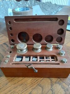 VINTAGE JEWELLERY/APOTHECARY WEIGHTS BOX SET