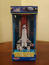 Realtoy 38921 NASA Space Shuttle Discovery with Boosters, Fuel Tank & Astronauts
