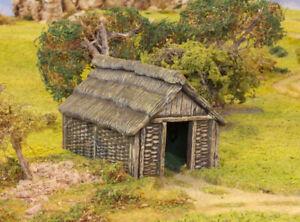 Renedra wattle timber outbuilding - wargames scenery 28mm