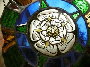 ORIGINAL ANTIQUE ARCHITECTURAL 'WHITE ROSE OF YORK' STAINED GLASS WINDOW C.18thc