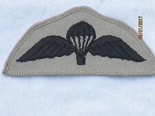 Para Balancín,Calificado Paracaidista,Paracaidistas balancín,negro sobre gris