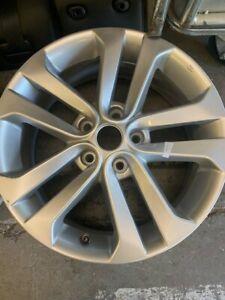 "Genuine Nissan Juke F15 Tekna 2010-2019 17"" alloy wheel rim D03001KA2A"
