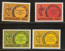 Suriname Republiek   Nr 242/245   Postfris.