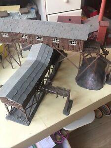Maquettes Montées  D'une Mine De Charbon,briqueterie ...pour Décors Ech HO