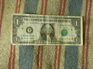 2006 $1 DOLLAR BILL STAR NOTE FEDERAL RESERVE NOTE CURRENCY PAPER MONEY 05240719