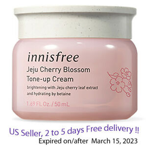 Innisfree Jeju Cherry Blossom Tone Up Cream 50ml + Free Gift Sample !!