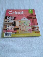 Cricut Magazine August 2011 Beachy Scrapbook Layouts Flowers Arts & Crafts