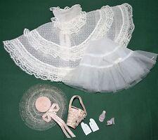 VINTAGE BARBIE  DOLL AUTENTHIC PLANTATION BELLE OUTFIT # 966,1960's CLOTHES  EXC