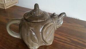 Elephant character tea pot
