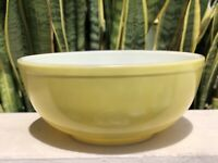 Vintage Pyrex Yellow 404 Bowl Mid Century Vtg White Primary Glass Mixing Dish