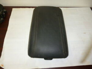 HOLDEN COMMODORE CALAIS ADVENTRA VY VZ CENTER CONSOLE LID LEATHER ARM REST