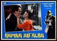 T106 Fotobusta Raub All'Alba-Raymond Pellegrin-Giselle Pascal-Magali Noel